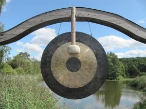 gong-2305383_1280